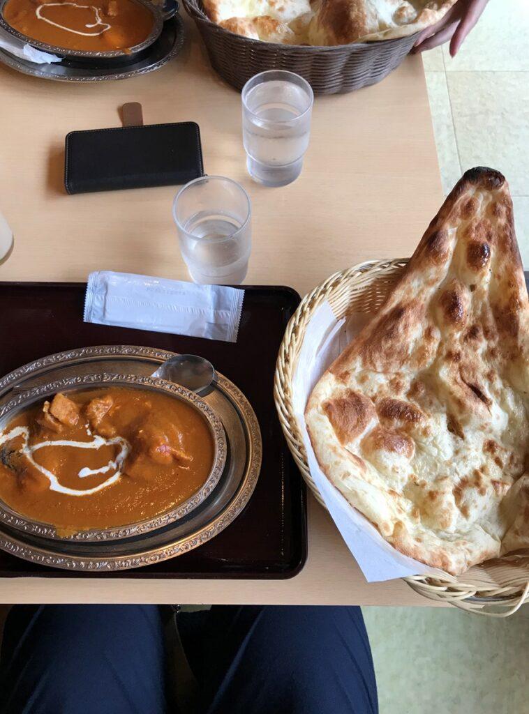 。インドで長い年月をかけて修業した経験から作られるインドカレーは本格派で、3種のカレーが楽しめる「豊平峡スペシャル」が人気。